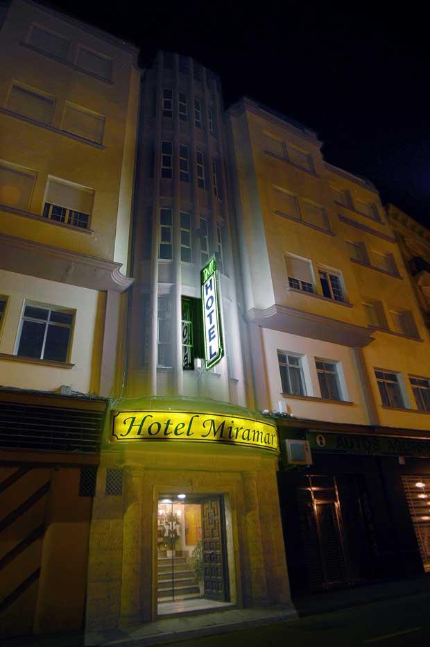 hotel-miramar-app-campo-de-gibraltar-fachada